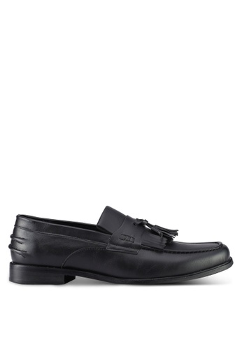 ZALORA black Faux Leather Slip On Dress Shoes with Tassels 0ABEFSH1820B13GS_1
