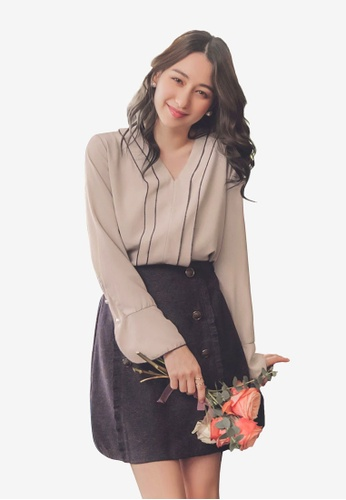Yoco beige V-Neck Flare Sleeve High-Low Top 6AA58AAE846527GS_1