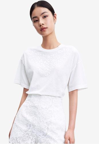 URBAN REVIVO white 3D Floral Printed Tee 7C382AA8E143B8GS_1