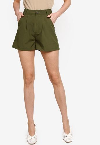 ZALORA WORK green Boxy Shorts 950E2AA224ECA9GS_1