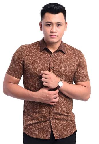 UA BOUTIQUE brown Shirt Batik RBS12-081 (Brown) 0AE3FAA0949142GS_1