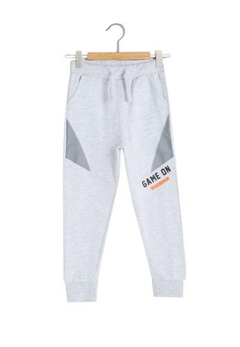 LC Waikiki grey Boy Jogger Trousers 31794KAAF324ACGS_1