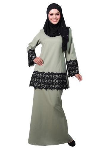 Baju Kurung Zaalia from LARA NOUR in green_1
