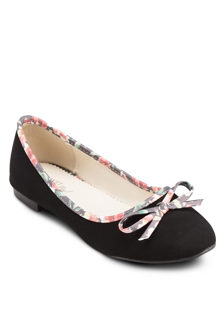 PLAY! Lia Ballerinas with Floral Piping