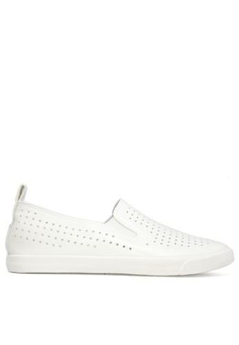 Twenty Eight Shoes white Breathable slip-on 16137 TW446SH19ZWYHK_1