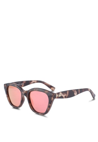 4557115eef4 Shop Le Specs Wannabae Sunglasses Online on ZALORA Philippines