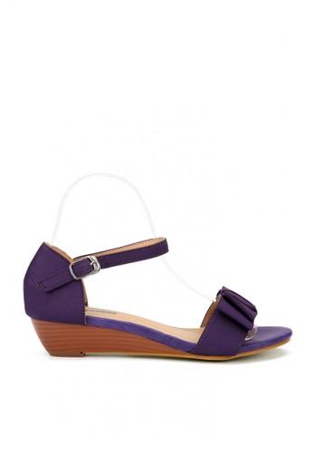 KissXXX 紫色 輕甜優雅緞面蝴蝶結小坡跟涼鞋 KI603SH09KUZTW_1