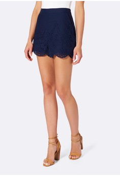 Mollie Broderie Scalloped Short