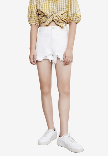 URBAN REVIVO white Ripped Denim Shorts 109E5AA6AD0221GS_1