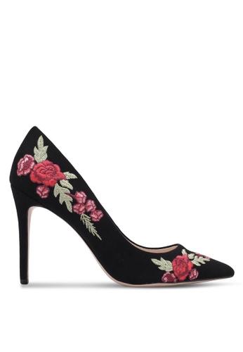 ZALORA 黑色 新年系列 花卉刺繡麂皮高跟鞋 1179AZZ934FC53GS_1