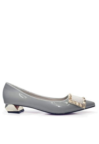 Twenty Eight Shoes 灰色 鉚釘及馬毛矮跟鞋 VL17064 4C3AESH9DB74B4GS_1