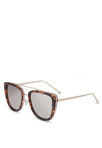 eee12e2b9746e Shop Quay Australia French Kiss Sunglasses Online on ZALORA Philippines