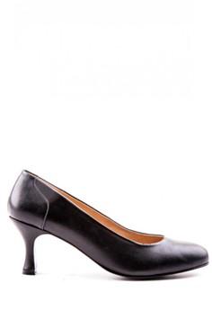 Anna Closed Heels