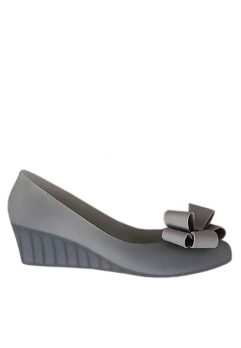 Twenty Eight Shoes grey 3D Bow Jelly Wedges VR5105 71C4ASHEE09D85GS_1