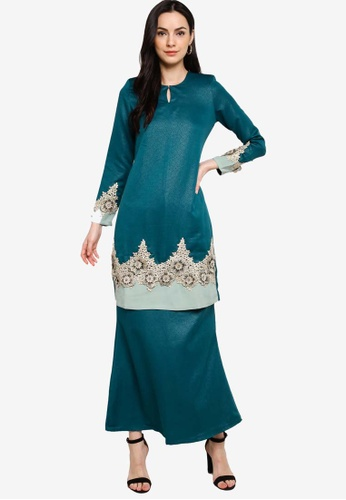 Gene Martino green Lace Patch Kurung A02CEAA5E95827GS_1