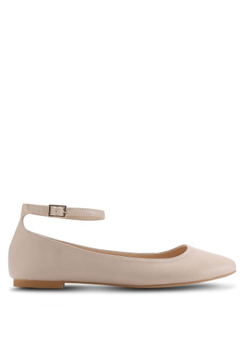 ZALORA brown and beige Ankle Strap Ballerinas 9DD3BSH6AAF842GS_1