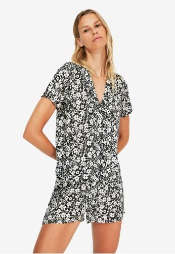 Trendyol black Floral Pattern Pyjama Set FC012AA65F260BGS_1