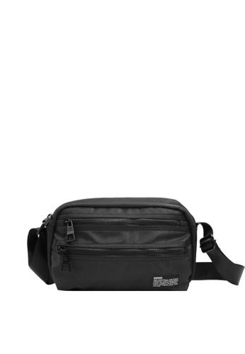 OPTIONS black Lot Messenger Bag 54A12AC6261D60GS_1