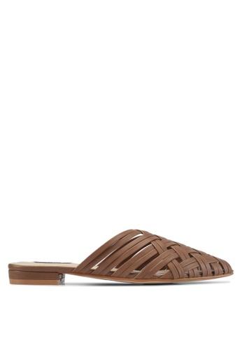 ZALORA brown Faux Leather Woven Slip On Flats 4077CSHE79E802GS_1