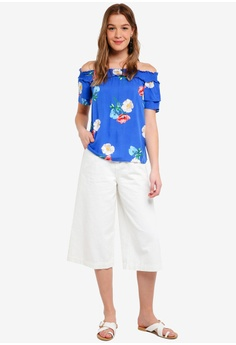 6d73ebae742 50% OFF Dorothy Perkins Cobalt Floral Bardot Top S  59.90 NOW S  29.90  Available in several sizes