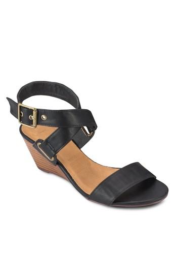 zalora時尚購物網的koumi koumiCoombes 交叉踝帶楔型鞋, 女鞋, 鞋