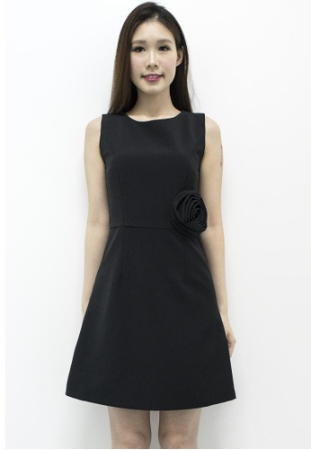 MOONRIVER black Rose Shift Dress In Black MO886AA21XTASG_1
