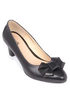 Claudia Closed Heels