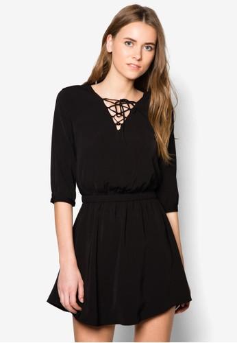 穿孔繫帶腰飾連身裙 - 248930