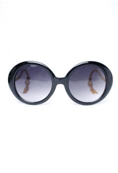 Nikki Oversized Sunglasses by Ohrelle Sunnies