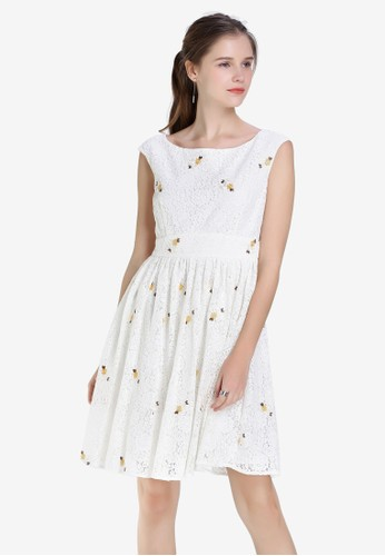Hopeshow white Lace Sleeveless Dress with Prints 008F0AAA3DC880GS_1