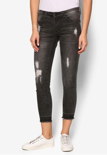 抽鬚刷破九分窄管牛仔褲、 服飾、 牛仔褲SomethingBorrowed抽鬚刷破九分窄管牛仔褲最新折價