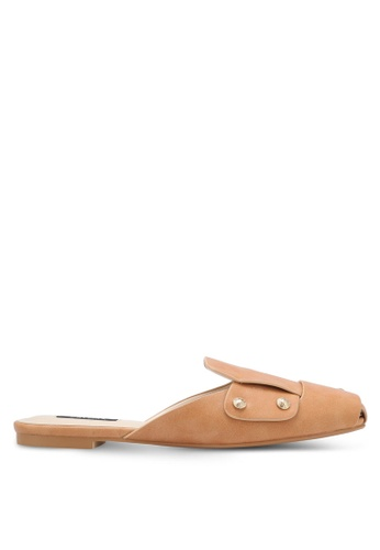 ZALORA brown Studded Mule Slides 58729SH5AD6C21GS_1