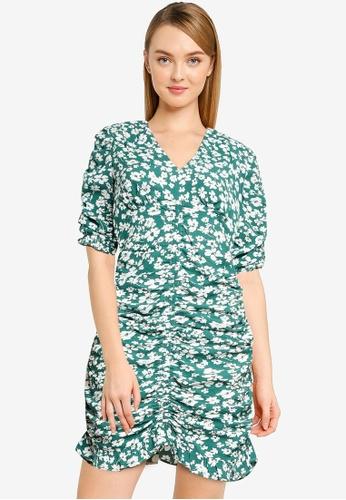 Urban Revivo green V-Neck Floral Dress 0CBA9AA30EE471GS_1