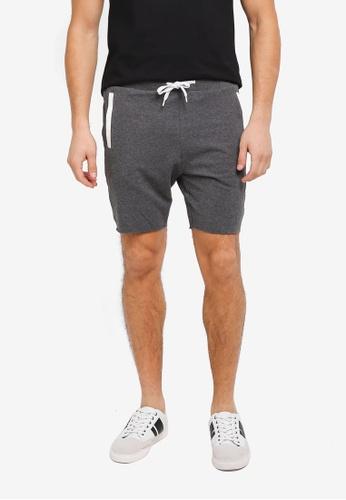 ZALORA black Contrast Pocket Raw Edge Jersey Shorts 5F3ACAA8F3B208GS_1