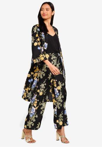 ZALORA 黑色 and 多色 花卉反摺袖罩衫 1E3D2AACC8E7B8GS_1