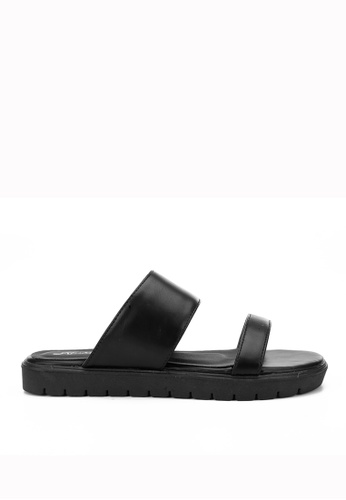 KissXXX 黑色 夏季舒適感休閒純色一字平底日常拖鞋 KI603SH09JJWTW_1