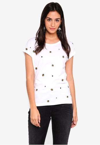 ONLY white Minna Short Sleeve Bee Print Top 6642DAAB51C2C9GS_1