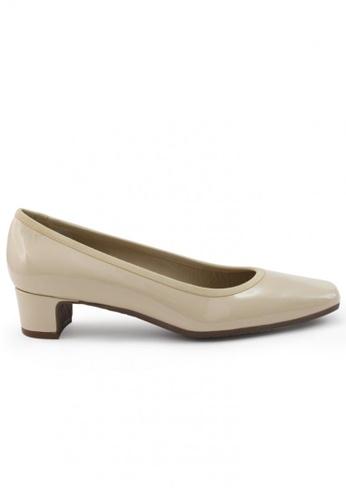 Shu Talk beige Patent Square Toe Low Block Heels SH397SH0FPKDSG_1