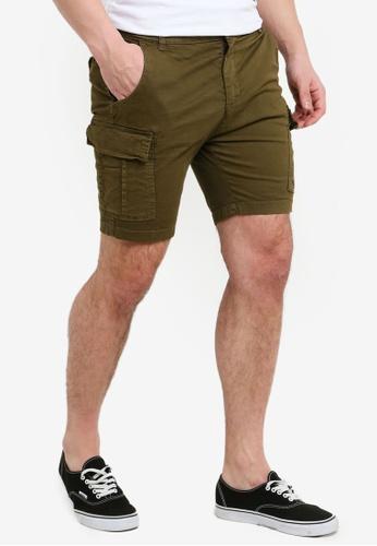 khaki shorts vs cargo shorts