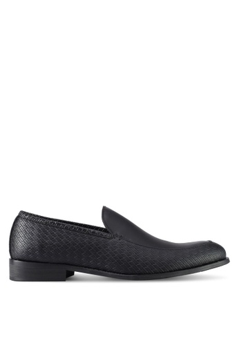ZALORA black Textured Slip On Dress Shoes 1712FSH6002239GS_1