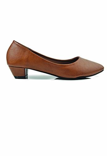 SHINE brown Classic Low Heels F943ASH57C7E35GS_1
