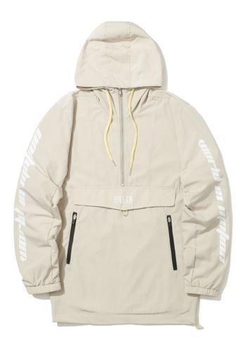 Fivecm beige Quarter zip anorak jacket C45C5AAD549FECGS_1