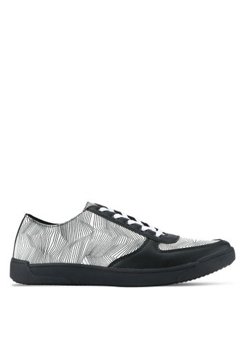ZALORA black and white Geometric Faux Leather Sneakers 71522SH6444997GS_1