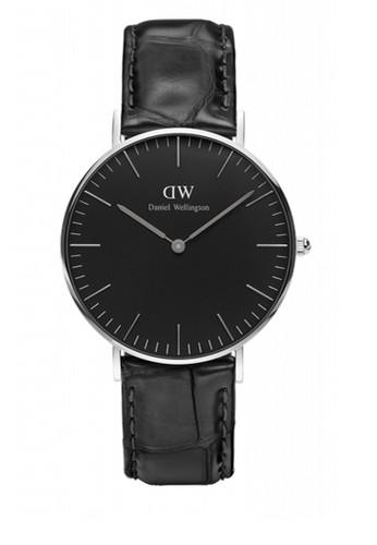 Reading 36mm 經典黑錶盤鱷魚紋手錶, 錶類, esprit 童裝飾品配件