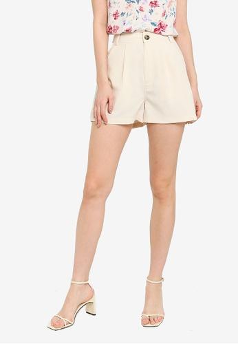 ZALORA WORK beige Boxy Shorts FF405AAAE297FAGS_1