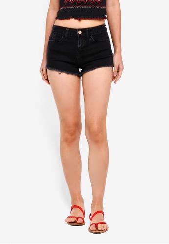Miss Selfridge black Petite Mid Rise Denim Shorts 95B6AAAE7B7DF7GS_1