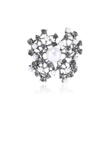 Glamorousky white Fashion and Elegant Hollow Geometric Imitation Pearl Brooch with Black Cubic Zirconia 8B781AC6D3EDB7GS_1