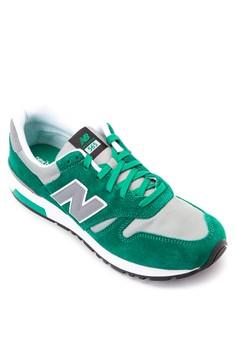 565 Sneakers