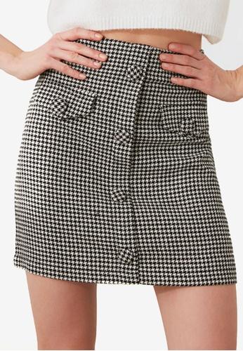 Trendyol black Houndstooth High Waist Mini Skirt 36BFDAA7EB7359GS_1