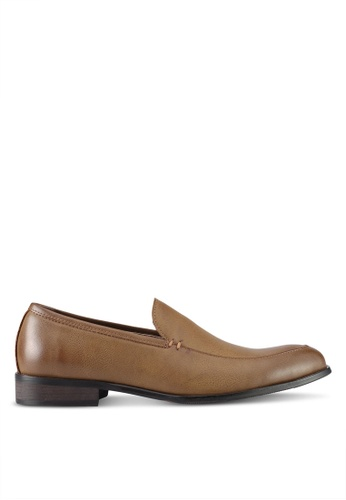 ZALORA brown Faux Leather Slip On Dress Shoes 95696SH2F13DD0GS_1